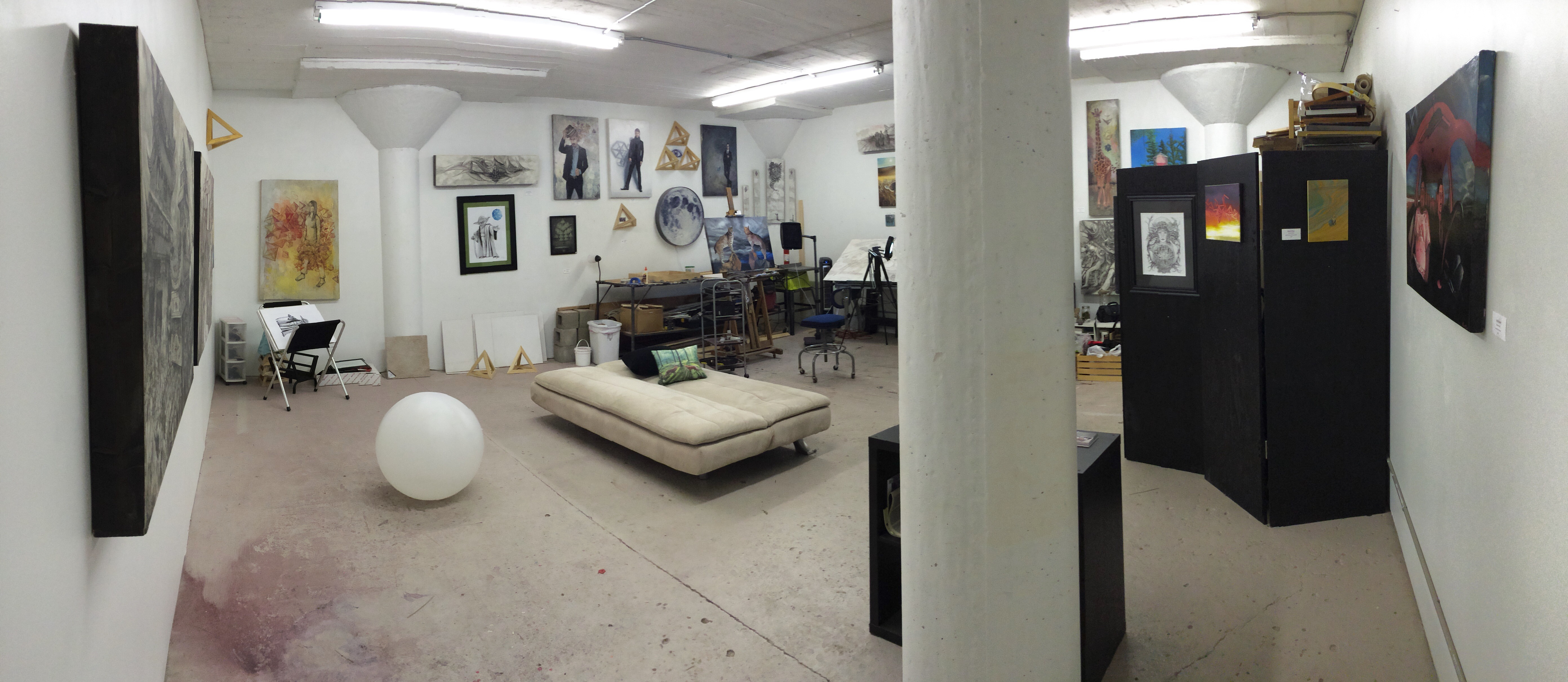 Studio B8